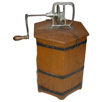 The Home Butter Maker Wooden Churn