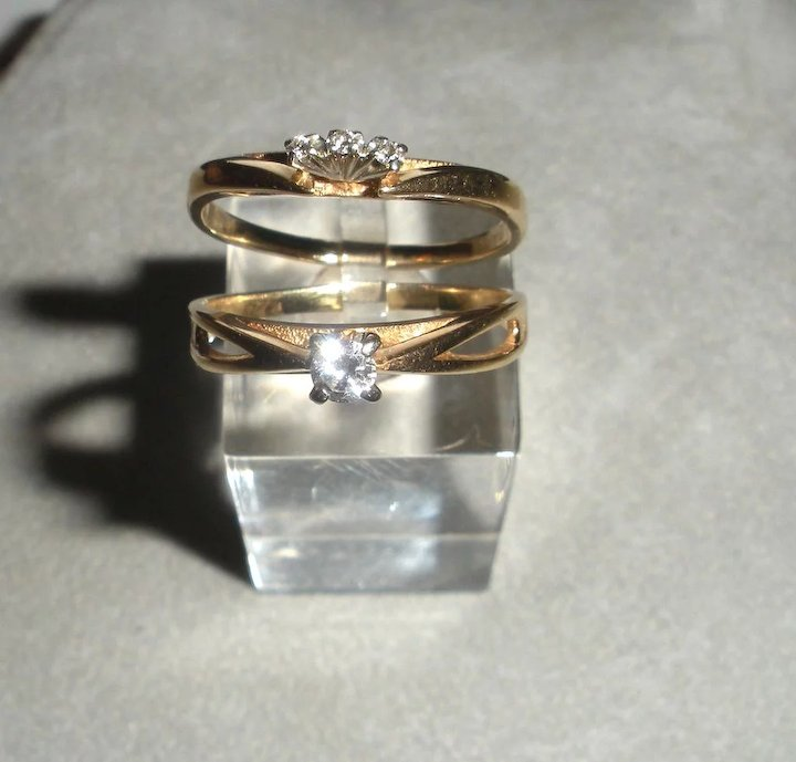 Engagement Solitaire Ring and Wedding Band Set in 14K Yellow Gold