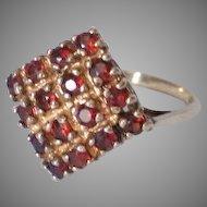Vintage 9K Gold Garnet Ring