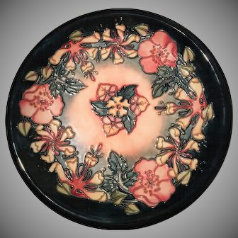 MOORCROFT Decorative Plate Designed by Rachel Bishop