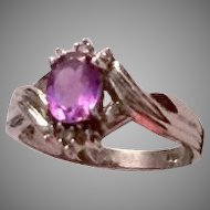 10K White Gold Ring with Amethyst and Diamonds