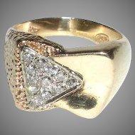 Man's Gold Ring with Twelve Pavé Diamonds