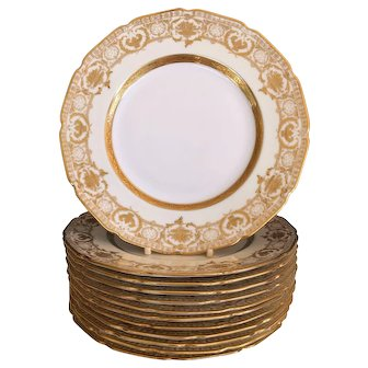 """Set 12 Royal Doulton Gold Encrusted Luncheon Plates 9"""" 1902-22"""