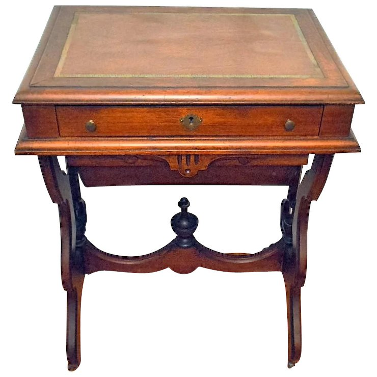 Antique Walnut Victorian Sewing/Work Stand Desk 1875 - Antique Walnut Victorian Sewing/Work Stand Desk 1875 : The Front