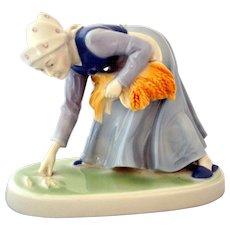 Metzler Ortloff Porcelain Figurine Lady Planting Wheat