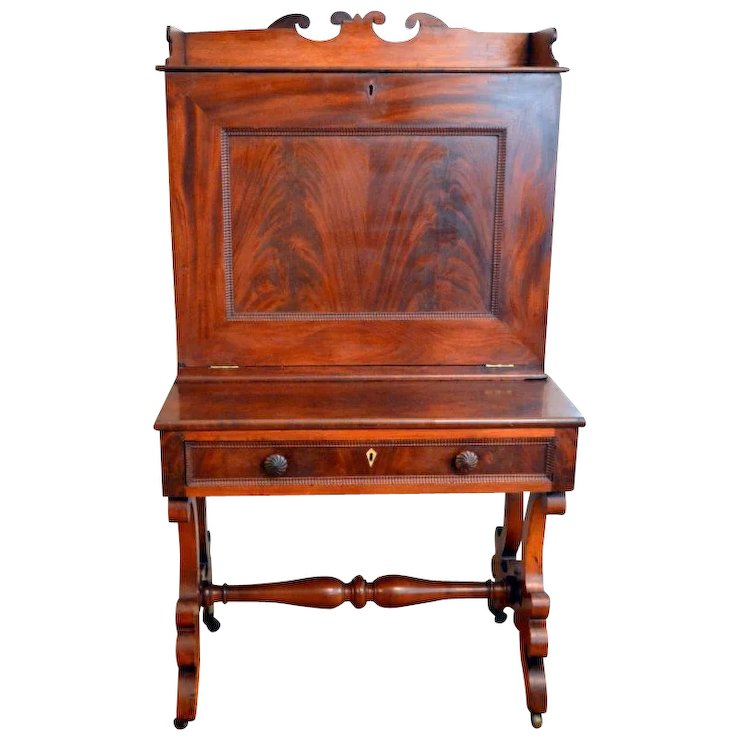 Plantation Desk Flame Mahogany Slant Front Cubby Holes Storage - Plantation Desk Flame Mahogany Slant Front Cubby Holes Storage : The
