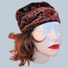 Mauve/Brown Velvet 1920s Cloche Hat with Art Deco Butterfly Adornment