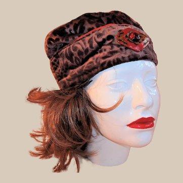 Mauve/Brown Velvet 1920s Cloche Hat with Art Deco Butterfly Adornment