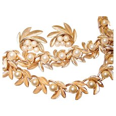 Crown Trifari 3 Piece Brushed Gold-tone Leaf Faux Pearl Set Necklace Bracelet and Earrings