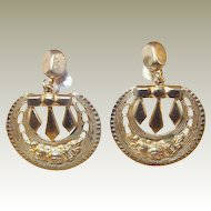 Victorian Motif Gold-tone Srew-back Drop Earrings