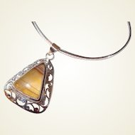 Cut-out Sterling Triangle Pendant with Agate Stone Round Collar Chain