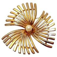 Pinwheel Spike Flower Brooch Faux Pearl Center