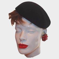 Vintage Glenover New York Black Wool Felt Berte Side Cap Hat
