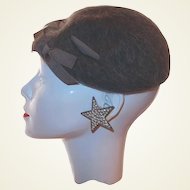 1930s Beret Gray Wool Grosgrain Ribbon Accent by Henry Pollak Co, NY