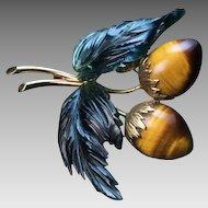 Vintage Tigers Eye Nephrite Jade 14K Gold Berry Brooch Pin