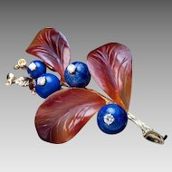 Vintage Carved Agate Lapis Diamond 14k Gold Berry Brooch Pin