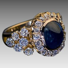 Antique 5.37 Ct Cabochon Sapphire 2.60 Ct Old Mine Cut Diamond 18 kt Gold Cluster Ring - Victorian 19th Century Rings