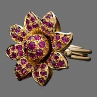 Vintage Ruby Gold Flower Shaped Ring