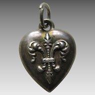 """Antique Fleur-de-lis """"W"""" Sterling Heart Charm"""
