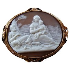 Rest on the Flight into Egypt Fine Victorian Carved Shell Cameo 15k Gold Brooch