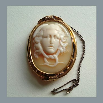 Antique Early Victorian Rare Medusa Carved Shell Cameo 9K Gold Brooch