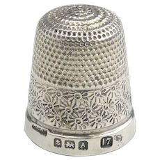 Hallmarked 1925 Sterling Silver Thimble