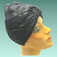 1920's Open Weave Flapper Hat with Big black Satin Bow
