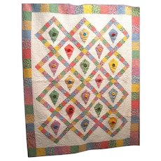 Baby Button Wall Pocket Quilt Holds little Dolls, Animals
