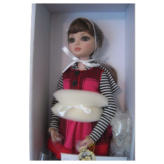 """Ellowyne Wilde by Robert Tonner """"Falling to Pieces""""  Doll - NRFB - 2013 Ltd Ed 300 - Removable Wig -"""