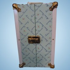Madame Alexander Trunk With M. Alexander Logo - Comes With 10 Hangers