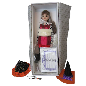 Ellowyne Wilde by Robert Tonner *Falling To Pieces* Doll - NRFB - WITH HALLOWEEN EXTRAS -