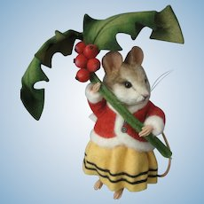 R John Wright - *ANNAMARIE* Mouse Seasons/Winter Doll With Holly Branch & Berries