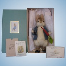 R John Wright ** PETER RABBIT** - In Box With All Certificates - Beatrix Potter Collection Cloth/Felt Doll