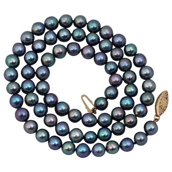 Tahitian Peacock Iridescent Black Pearls with 14K Gold Clasp 21 inches
