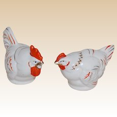 Vintage Hen and Rooster Salt and Pepper Shakers Red White and Gold Chickens!