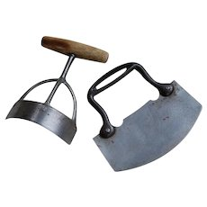 Early Curved Kitchen Food Chopper and ULU single blade