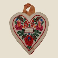 Embroidered Felt Heart for Sewing Needles