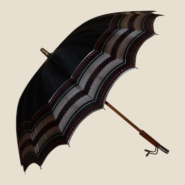 Mid Century Fashion Umbrella Red and Black