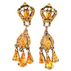 32538a - Signed HOLLYCRAFT 1953 Topaz & Faux Half Pearls Dangle Earrings Set