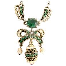 33316a - Signed HOLLYCRAFT 1954 Easter Egg Green Emerald & Pearls Dangling Necklace