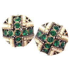 33350a - Signed Hollycraft 1954 Green Emerald Rhinestones & Faux Pearls Clip Earrings