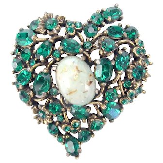 33459a - Signed Hollycraft 1951 Green Stones & Opal Cabochons Small HEART Brooch