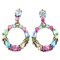 34289a - Signed HOLLYCRAFT 1953 Pastel Color Rhinestones Dangle Clip Earrings