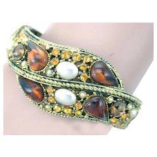 34356a -  Hollycraft Rootbeer Topaz Color Stones & Pearls Double Hinged Bracelet