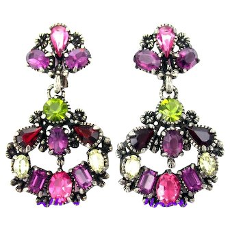 34377a - Hollycraft 1954 Purple Green Red Rose Yellow Long Dangle Clip Earrings