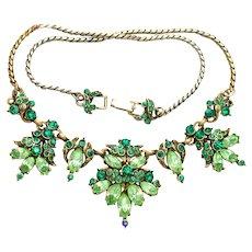 34599a - Signed Hollycraft 1952 Light & Dark Green Color Rhinestones Necklace