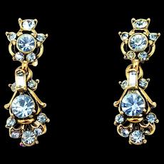 34778a - Vintage Hollycraft 1957 Light Sapphire Stones Dangle Clip Back Earrings