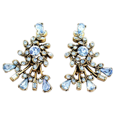34784a - Signed Vintage Hollycraft 1957 Light Sapphire Clip Back Earrings