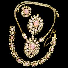 34813a - Signed Vintage Hollycraft Opal Cabochon & Diamante Rhinestones Full Set