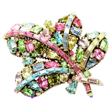34864a - Signed Hollycraft 1955 Multi Color Pastel Feather Brooch/Pin